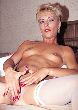Lyn36-pissing-kinky-sex-contacts-free
