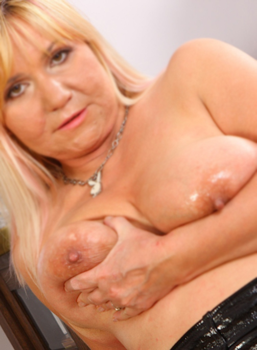 Venus36-London-sex-contacts-2012-free