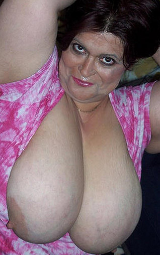 cheshire_big_boobs_milf