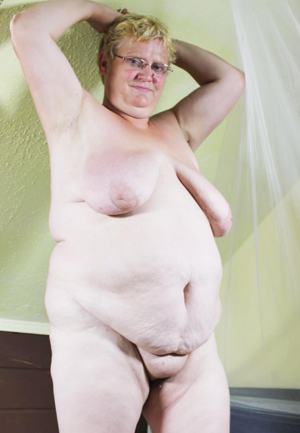 emilie68-granny-gilf-sex-contacts-manchester