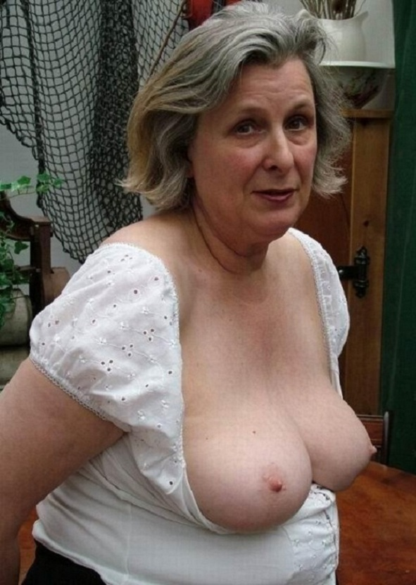 ladyqueen82-west-mids-granny-milf-sex-contacts.html