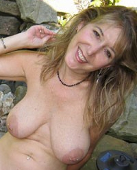 mona-mature-milf-looking-for-sex