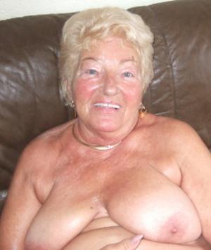 granny_for_sex_pearl