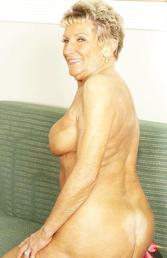 renae60-granny-gilf-sex-warwickshire