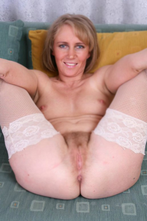 desilvia-derbyshire-mature-women-sex-contacts.html