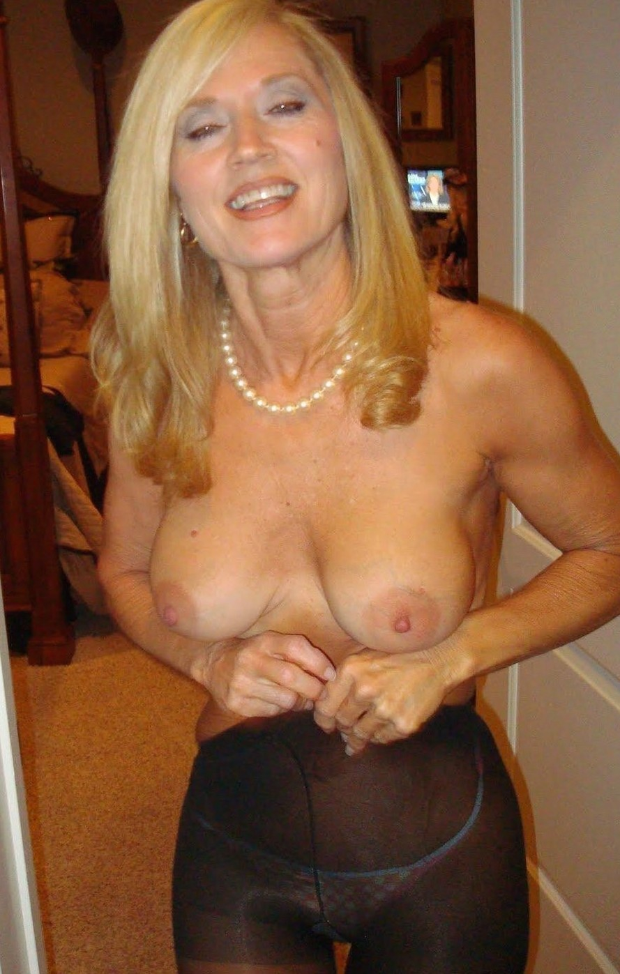sparkly38-gt-manchester-milf-sex-contacts