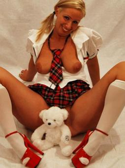 yoclarita-married-women-looking-sex-north-west-england