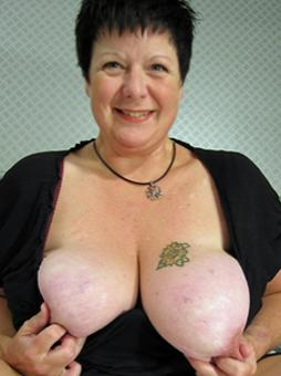 yomychele-mature-women-sex-contacts-north-yorkshire